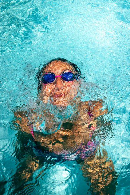 greg rosenke fVifUEd0y 0 unsplash 423x635 - Bomba de calor para piscina: como funciona?